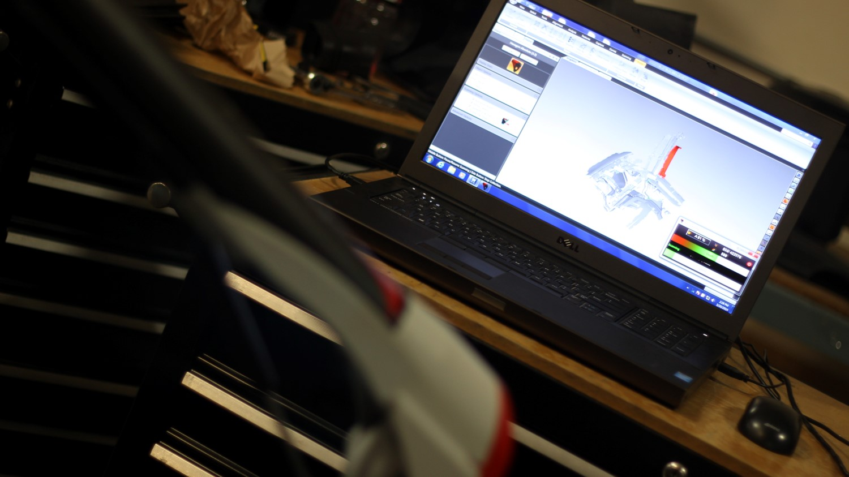 romer-scanning-laptop